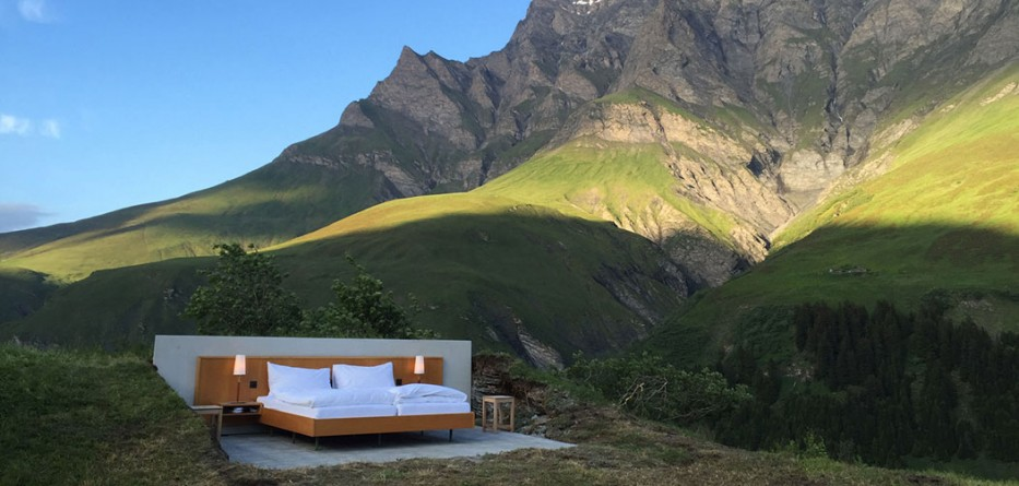 null-stern-hotel-switzerland-alps_dezeen_ban_0